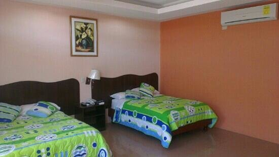 Blue Marlin Hotel: twin room, lots of space