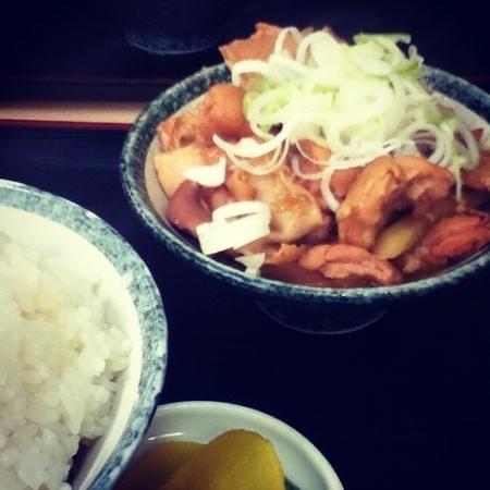Motsunikomitaro: モツ定食大盛り