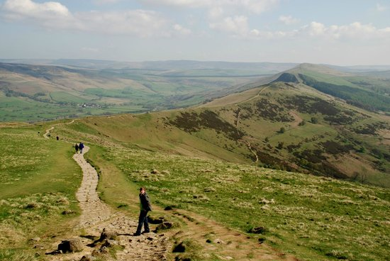 Castleton, UK: Past Mam Tor