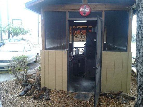 Poppa's BBQ: The cook shed - Where all the delicious BBQ magic happens