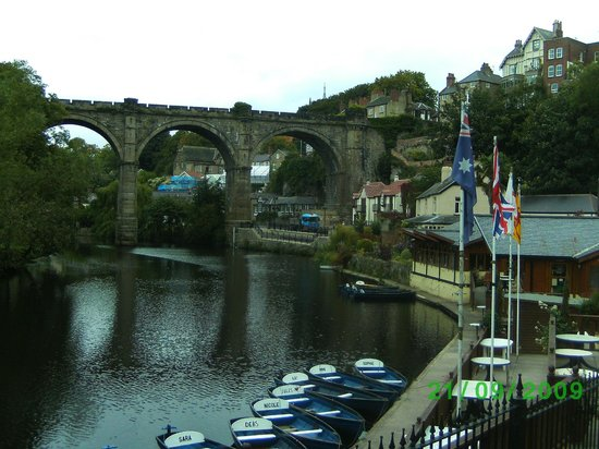 Knaresborough, UK: Riverside.