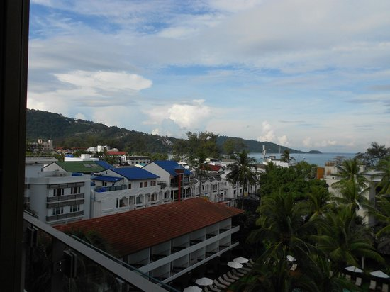 Patong Beach Hotel: VIEWS