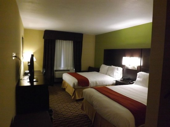 Holiday Inn Express Cross Lanes: 2 beds or 1.. we have them both!
