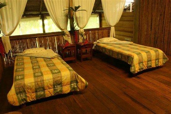 Inotawa Lodge: Todas las habitaciones tienen baño privado,terraza con linda vista y amplio panorama