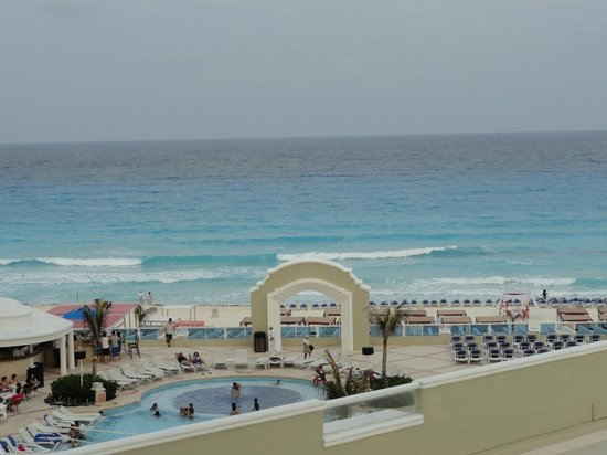 Gran Caribe Resort: View from our Jr Suite Oceanview - king