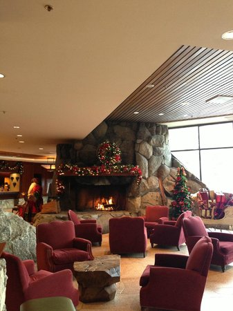 Resort at Squaw Creek: Lobby