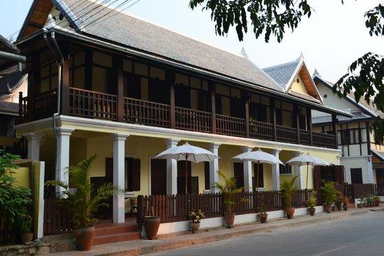 วิลลา สมพงศ์: Villa Somphong