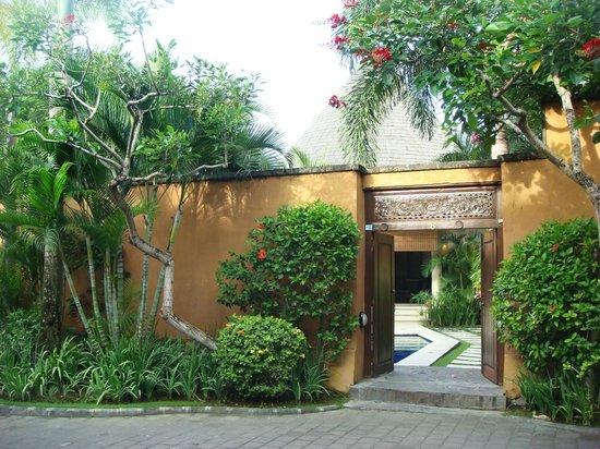 The Kunja Villas & Spa : entrance of villa