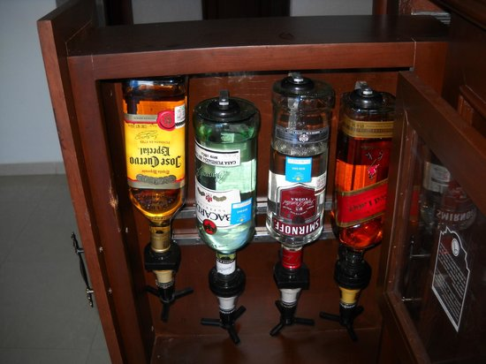 Gran Caribe Resort: Room - mini bar