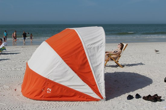 Hyatt Regency Clearwater Beach Resort & Spa: Beach setup