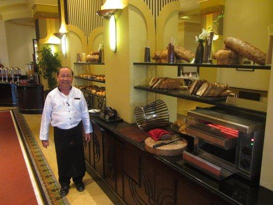 La Residence Hue Hotel & Spa: Buffet Breakfast