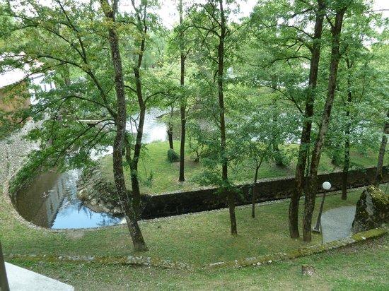 Postojna Caves: River at Postojna