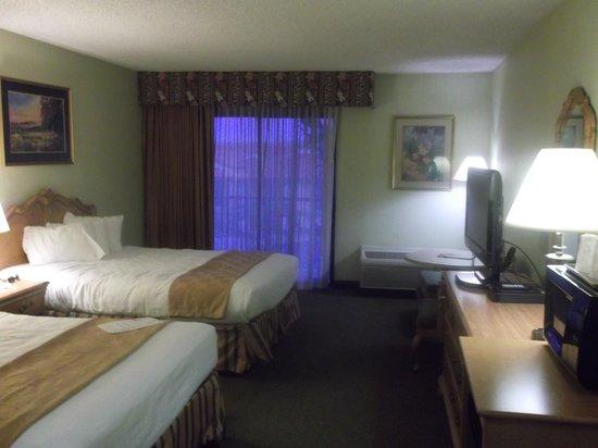 كريستال إن هوتل آند سويتس سانت جورج: Two queen beds 