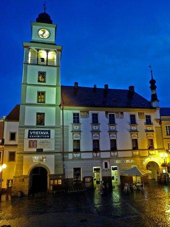 Bily Konicek: town hall at night