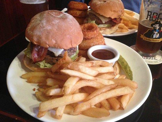 Stone's : Huge Burgers!