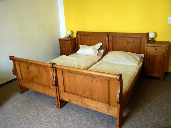 Bily Konicek: our bed