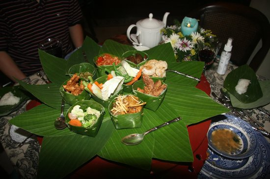 Puripunn Baby Grand Boutique Hotel: Lovely northern Thai style dinner