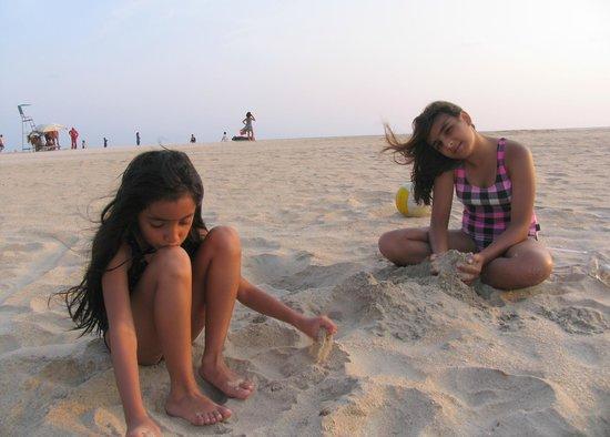 Park Hyatt Goa Resort and Spa: white sands