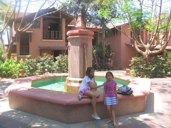 Park Hyatt Goa Resort and Spa: court 3
