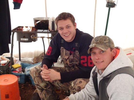 Ripple Creek Lodge: Chillin' in the Tent