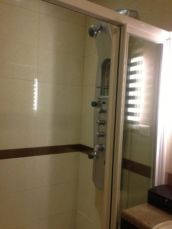 Beauty Hotels Taipei - Hsuanmei Boutique: Shower
