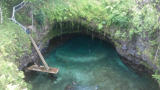 Seabreeze Resort: TuaSua Trench
