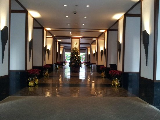 The Sukhothai Bangkok: Passage leading to Lobby