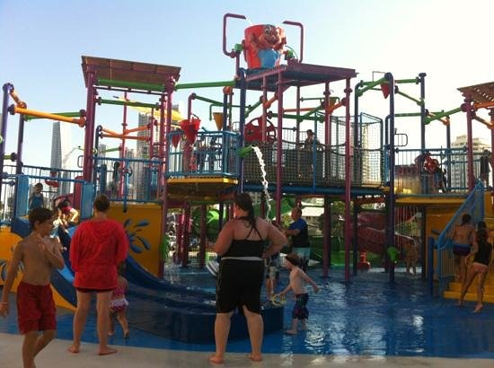 Paradise Resort Gold Coast: new waterpark