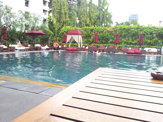The Sukhothai Bangkok: Pool Side