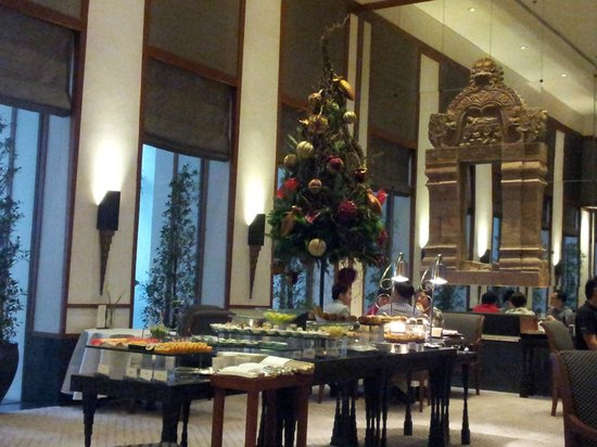 โรงแรมสุโขทัย: Restaurant where chocolate buffet was organised.