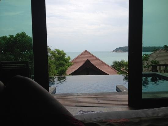 Nora Buri Resort & Spa: view from bed in beachside pool villa, pool is amazing!