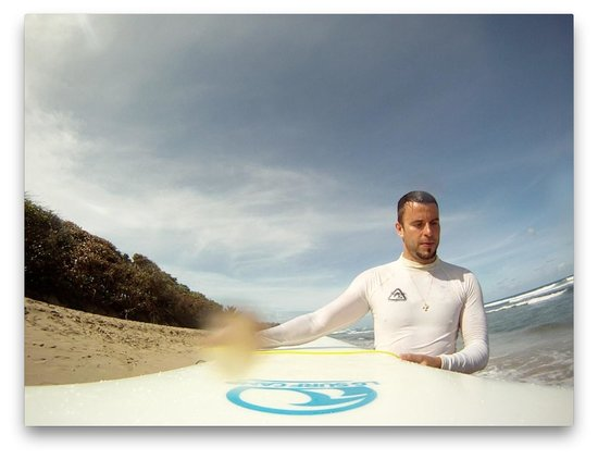 LG Surf Camp: Encuentro Beach