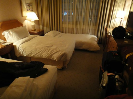 Jeju Sun Hotel & Casino: Double room with extra bed
