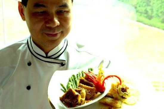 19 Oriental Avenue: Meet our culinary master from China:Chef David Leung