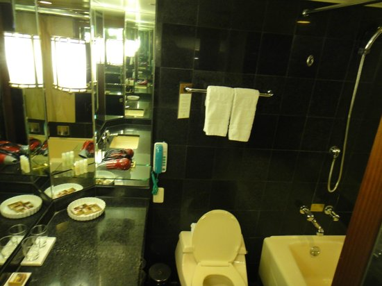 Imperial Palace Seoul : First nite stay - Nov 2012
