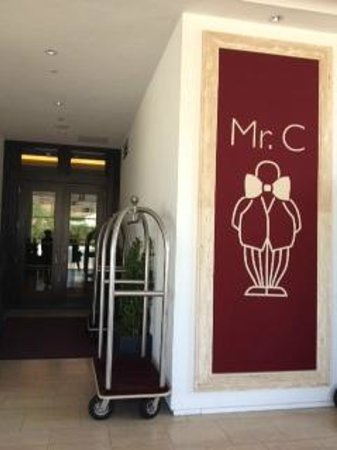 Mr. C Beverly Hills: Door area