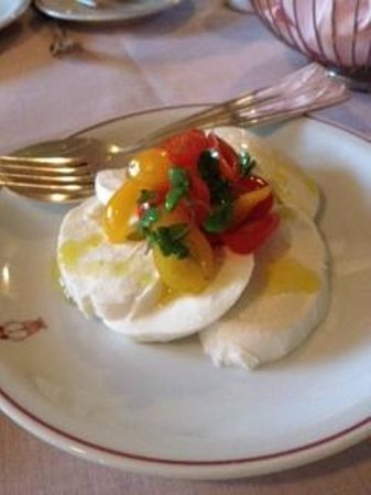 Mr. C Beverly Hills: mozzarella