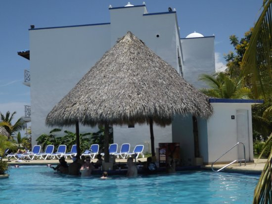 Hotel Playa Blanca Beach Resort: Grounds