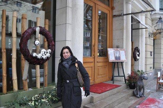 DORMERO Hotel Berlin Ku'damm: Davanti all'Hotel