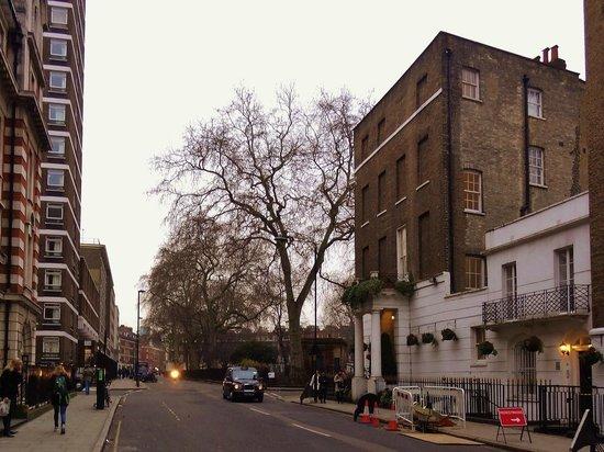 Mabledon Court Hotel: Exterior street
