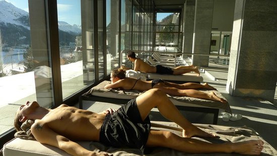 Kulm Hotel St. Moritz: Pool side view
