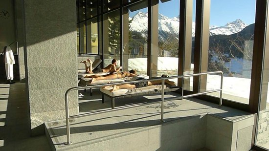Kulm Hotel St. Moritz: View from pool side loungers