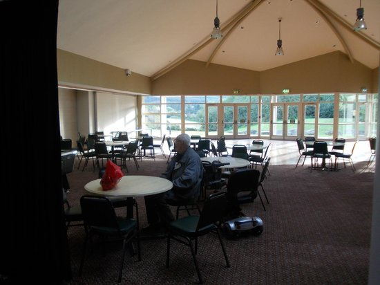 Slieve Gullion Lodge at Ti Chulainn: Ti Chulainn - Large room for activities.