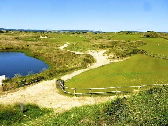 Lost Farm Barnbougle Golf Course: 16th tee
