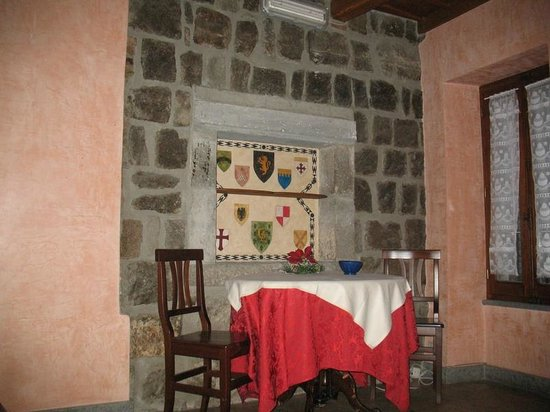 Relais Paradosso: our kitchen and dining table