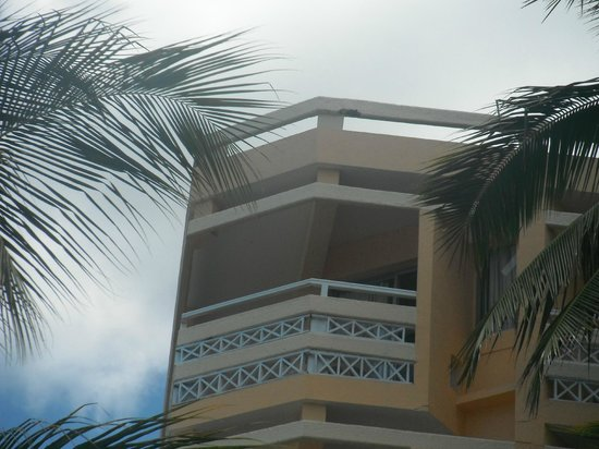 Merville Beach Hotel: Excellent View from bottom room to top room