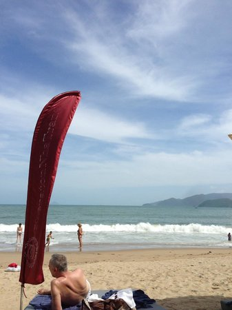 Sheraton Nha Trang Hotel and Spa: Sheraton section beach