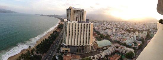 Sheraton Nha Trang Hotel and Spa : Panorama view from Lounge