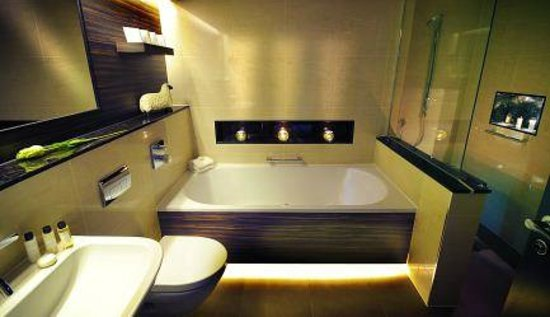 Mellor, UK: Woodland rooms bathroom