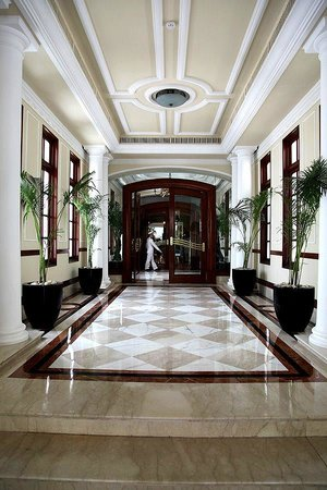 The Imperial Hotel : Foyer